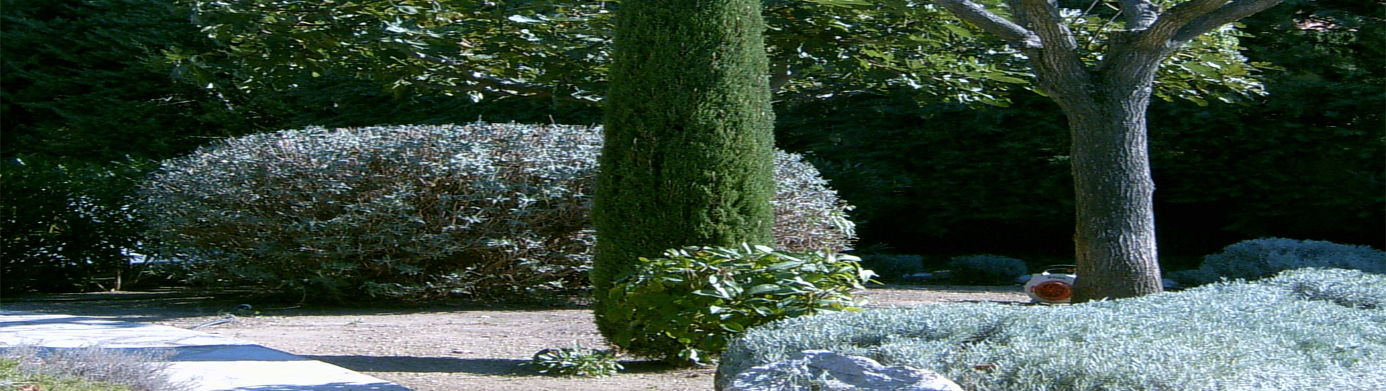 Jardin d 39 eden paysagiste p pini riste argilliers uz s for Tva entretien espaces verts 2015